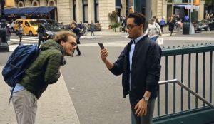 Motorola advierte con su nueva campaña de los peligros de la adicción al smartphone