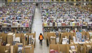 Los trabajadores de Amazon en San Fernando de Henares convocan paros a finales de marzo