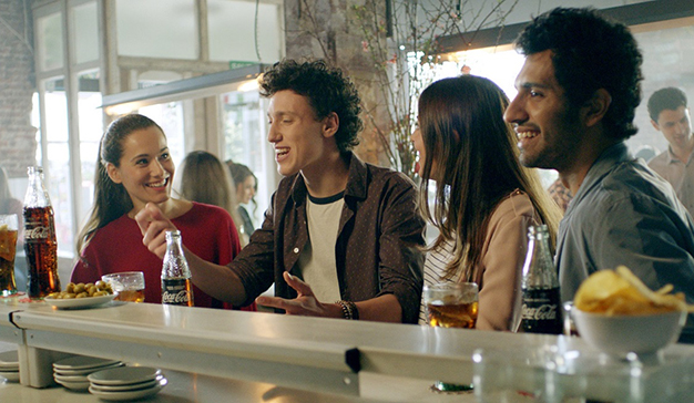 """Coca-Cola homenaje a la hostelería con las """"Batallitas del Bar"""""""