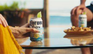 Corona se prepara para el verano con un rediseño de sus latas y botellas