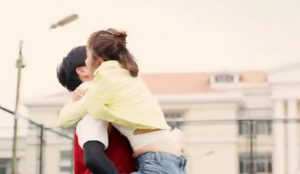 China prohíbe varios spots por sugerir que las mujeres pierden la timidez sexual con el alcohol