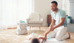 John Legend y su pequeña hija protagonizan esta tierna campaña para Pampers