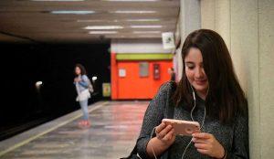 Los usuarios españoles, los europeos que más utilizan Netflix fuera de casa