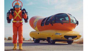 Oscar Mayer lanza el Super Hotdogger para promocionar nuevos productos