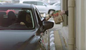 Burger King regala Whoppers para celebrar la llegada de las mujeres a las carreteras de Arabia Saudí