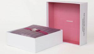 La marca Thinx contribuye a la normalización de la menstruación con una manta para mantener sexo durante el periodo