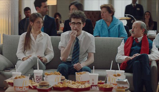 En este spot, McDonald's invita a sus consumidores a compartir su amor por el fútbol