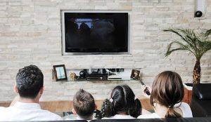 Los hombres y las mujeres prefieren ven la televisión en momentos diferentes del día