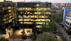 Amazon sumará 400 trabajadores más a sus centros de Barcelona