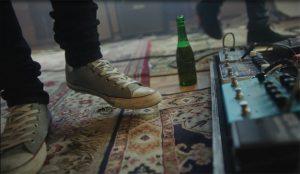 Cervezas Alhambra y Neuman ofrecen la primera canción que solo se escucha al detenerse