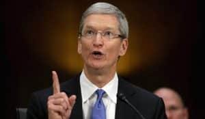 El CEO de Apple, Tim Cook, no quiere ni oír hablar de algoritmos cuando se trata de informar