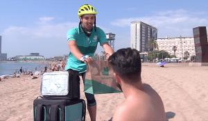 Más de 700 restaurantes llegarán este verano a las playas españolas gracias a Deliveroo