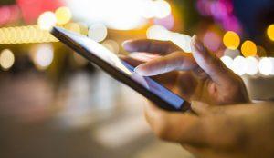Los españoles pasan cerca de 4 horas y media al día conectados a la red por motivos personales