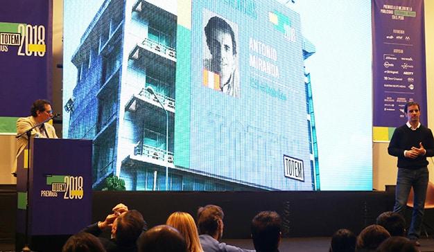 Ponencia de Antonio Miranda en los Premios Totem.