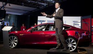 El CEO de Tesla coquetea con la idea sacar a la compañía automovilística de Wall Street