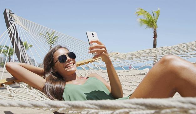 Cómo plantar cara a la adicción al móvil estas vacaciones y no morir en el intento