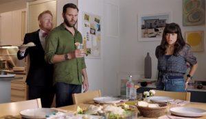 El actor Jesse Tyler Ferguson protagoniza la nueva campaña de Absolut Vodka