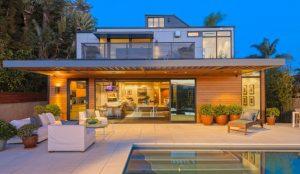 Amazon invierte en casas prefabricadas para que Alexa invada el hogar