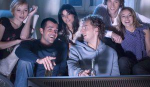 La televisión sigue marcando el camino en las decisiones de compra de los millennials