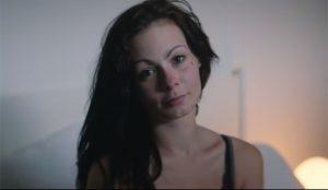 72andSunny muestra en las calles de Nueva York la recuperación de una adicta a los opioides