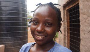 AUARA y Ahorramas colaboran con la Fundación Kirira para proveer de agua potable