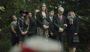 En este cómico spot de Fiat una treintañera celebra un funeral por sus