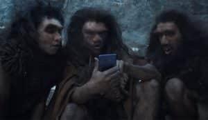 Este divertido spot alecciona a los haters tecnológicos imaginando cómo habría cambiado la historia gracias al smartphone