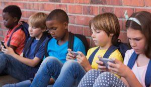 Los niños prefieren los dispositivos móviles antes que los dulces y chucherías