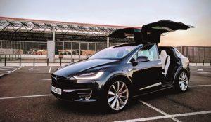 Tesla factura 32,7 millones de euros en su primer año con beneficios en España
