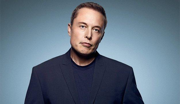 Elon Musk tira la caña a Daimler para desarrollar junto a Tesla una furgoneta eléctrica