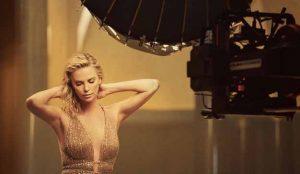 Charlize Theron, la musa de Dior en un nuevo anuncio que empodera a la mujer