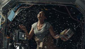 Navidad y una madre astronauta, ¿preparado para el lacrimógeno anuncio de Navidad de Macy's?