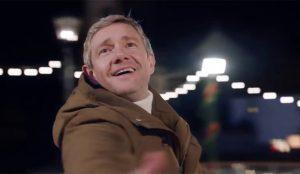 El actor Martin Freeman danza grácilmente sobre el hielo en este spot navideño de Vodafone