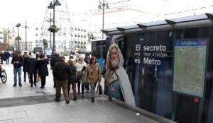 La EMT autoriza la campaña navideña de Metro 10 días después de retirarla