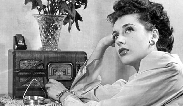 La radio continúa siendo medio de impacto para mexicanos
