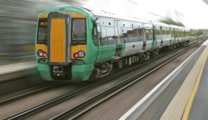 El tren como medio de transporte para viajar y conocer ciudades