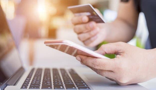Cuatro de cada diez consumidores cuando compran Premium ya lo hacen online
