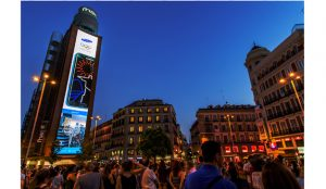 Samsung apaga sus pantallas de Callao durante la Hora del Planeta 2019