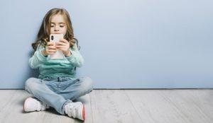 El grooming o el acoso es la mayor preocupación de las familias españolas en internet