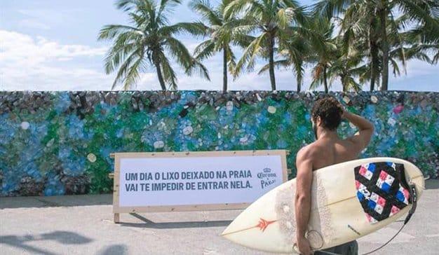 playa-ipanema-muro-plastico