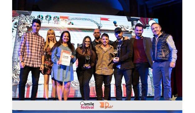 El Smile Festival 2019 premia el humor de Distrito Agencia