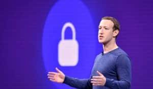 Zuckerberg promete más protección de datos en Facebook