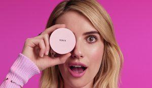 La actriz Emma Roberts encarna la ternura en la campaña de TOUS