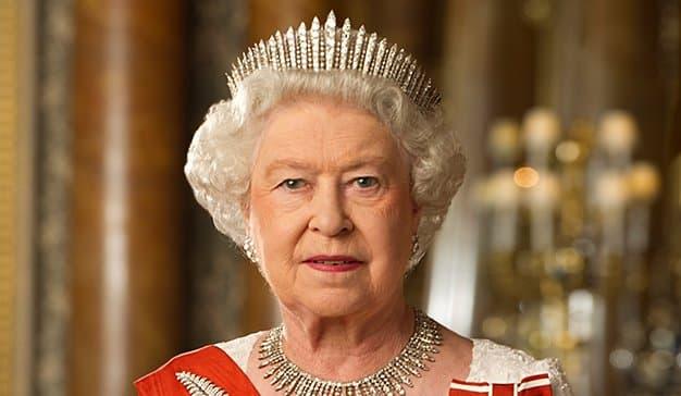 La Reina Isabel II busca Digital Communications Officer