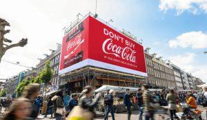 En esta ocurrente campaña Coca-Cola llama al boicot contra sus propios productos