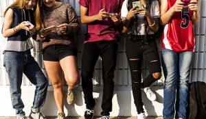 Los jóvenes también desconfían de las redes sociales para informarse