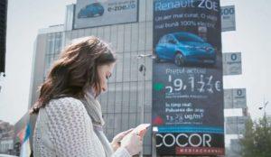 Este anuncio reactivo de Renault reduce el precio de los coches eléctricos cuando aumenta la polución