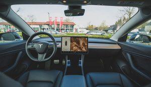 Elon Musk confirma que los Tesla incorporarán Netflix y YouTube