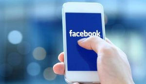 Facebook permitirá transferir vídeos e imágenes a Google Fotos