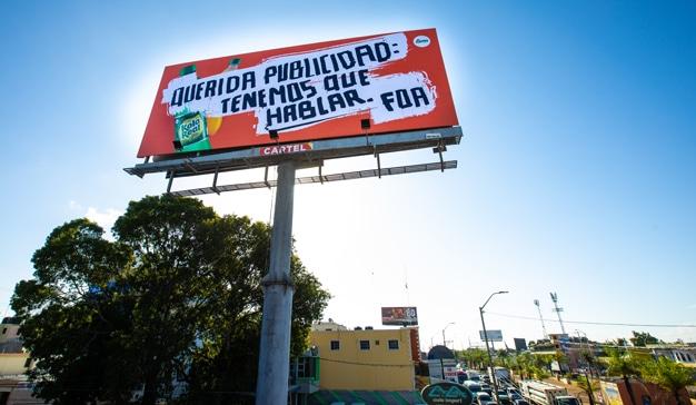 FOA República Dominicana invita a lo grande a publicitarios y marketeros a través de una valla publicitaria